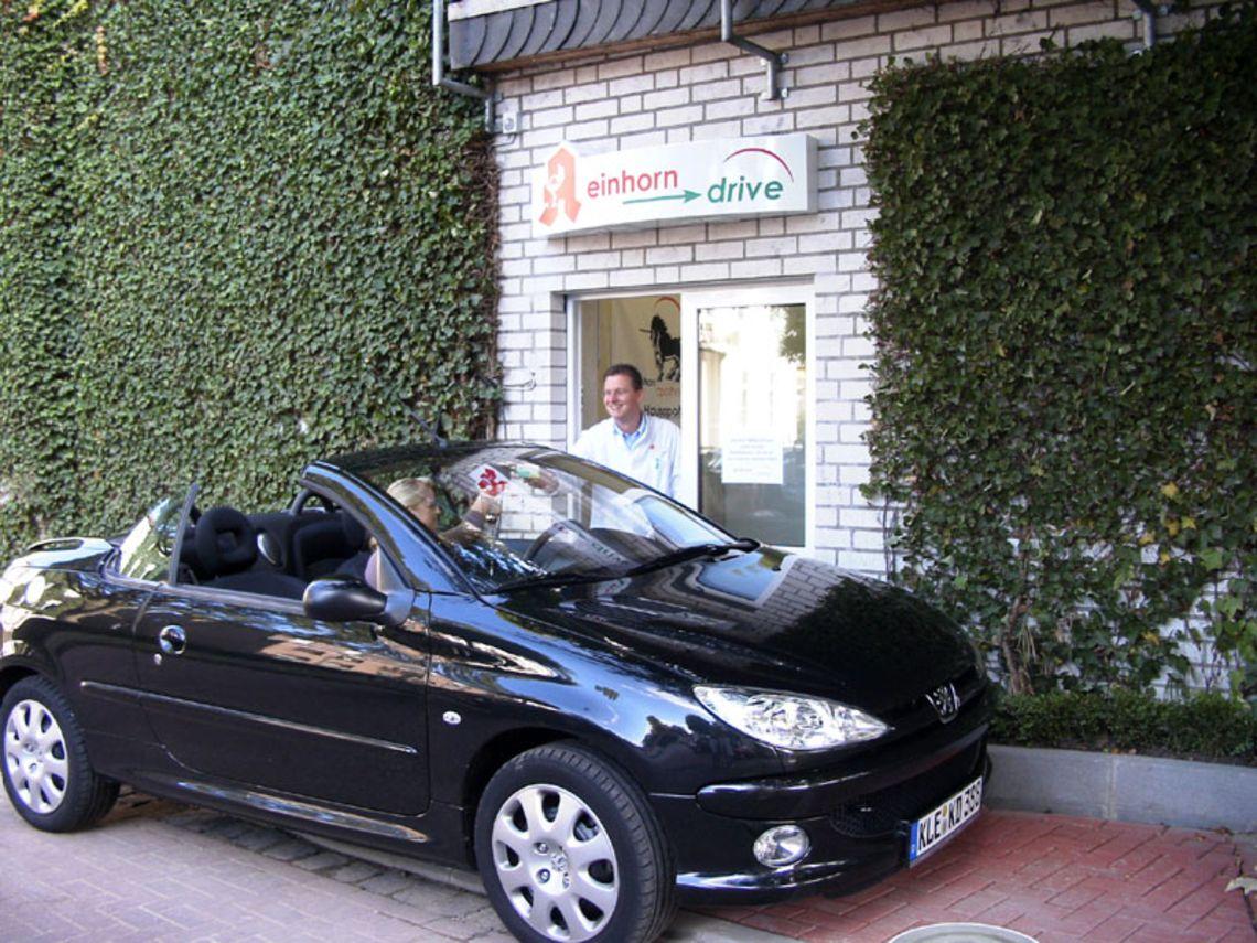 Foto2 Einhorn Apotheke Autoschalter