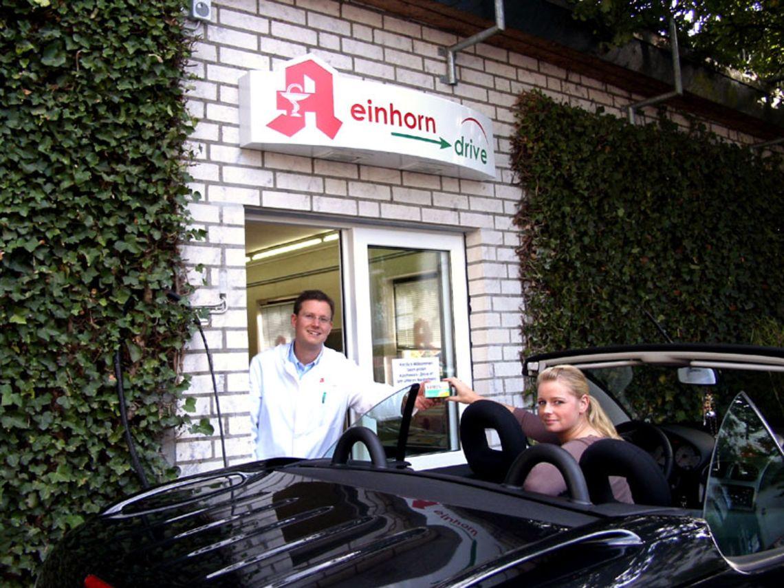 Foto1 Einhorn Apotheke Autoschalter